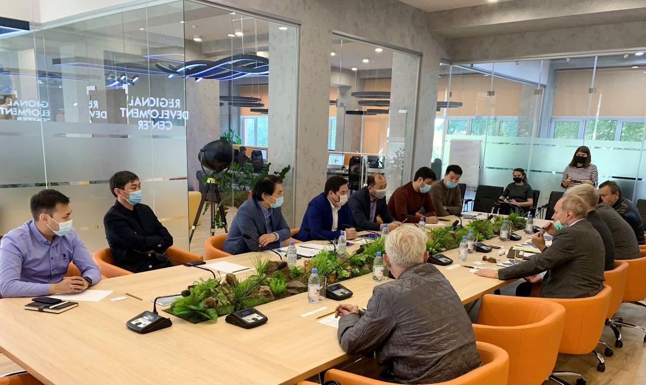 Обсуждены вопросы сотрудничества с бизнес-делегацией из Канады